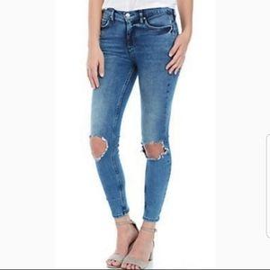 Free People distressed skinny jeans sz 30